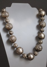 10-01-20 Chinese Silver Dragon Bead Necklace