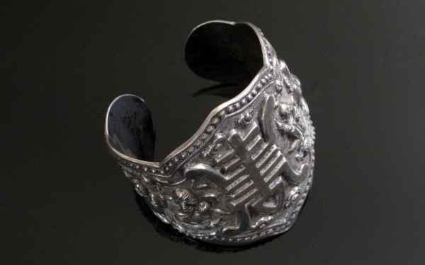 11-01-17 Huge Chinese Silver Cuff