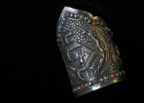 12-10-09 Antique Chinese  Silver Wedding Cuff